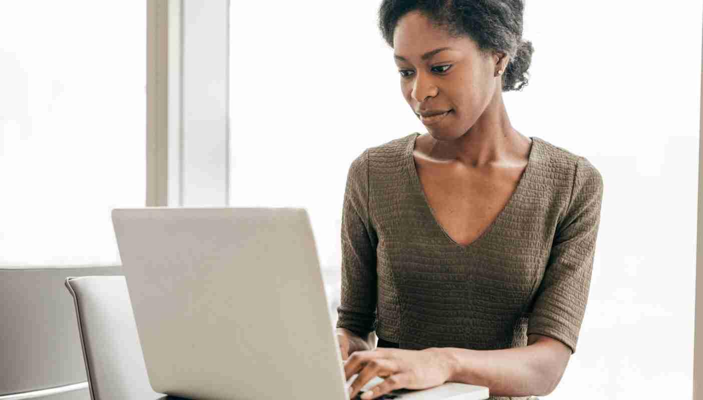 Optimizing Job Postings to Maximize Engagement on Job Aggregator Websites